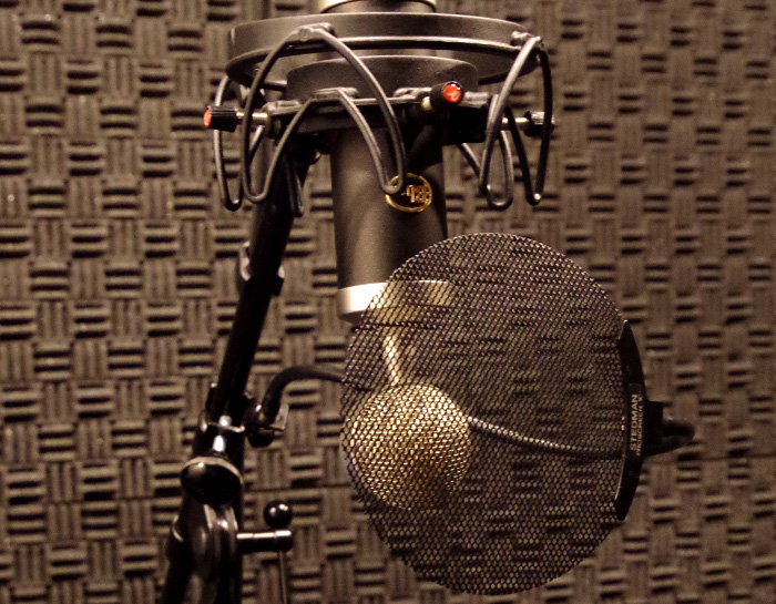 都内にある録音スタジオのヒトスタでは、初めてご利用される方に30分の延長無料サービスを実施しております
